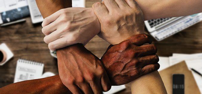 Unia et les organisations d'employeurs signent un accord pour plus de diversité au travail